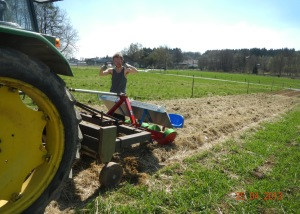 Jan likes the mulch and the high-residue transplanter. Personal preference makes a difference in farming choices.
